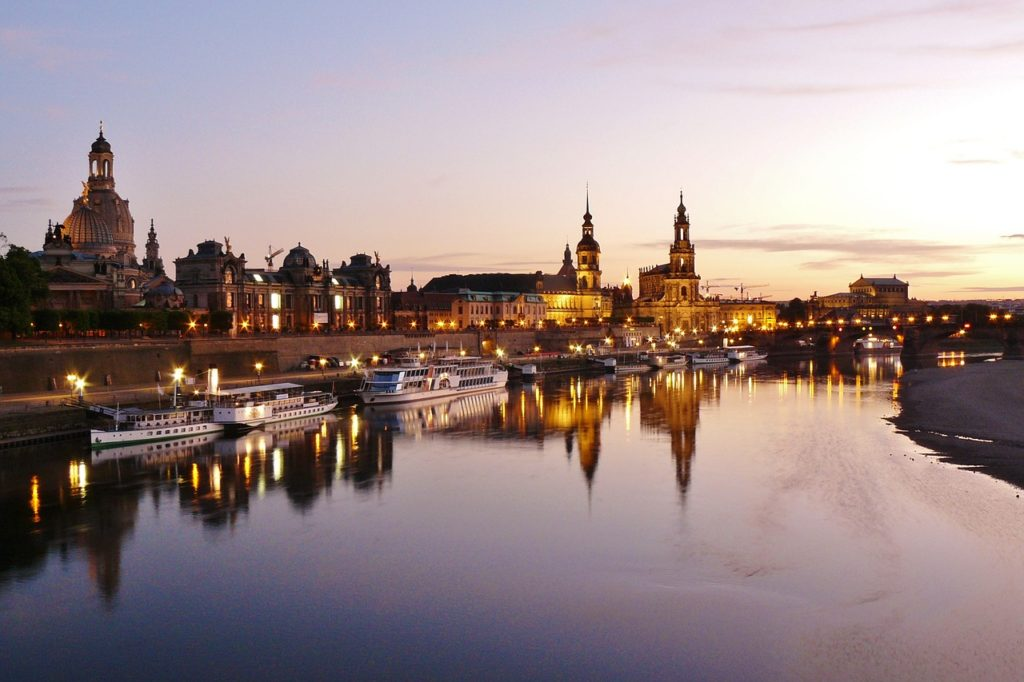 Dresden Skyline Abends